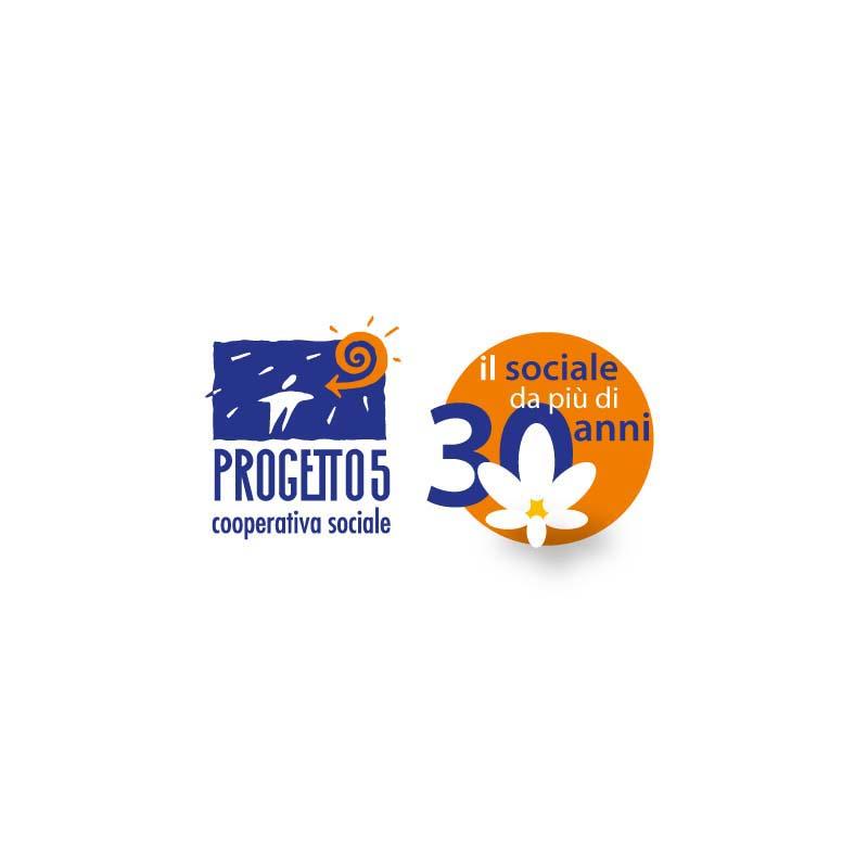 Logo della Cooperativa Sociale Progetto 5 e relativo logo dei 30 anni di attività